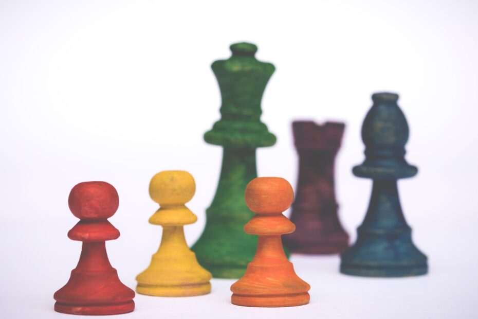 assorted color chess pieces